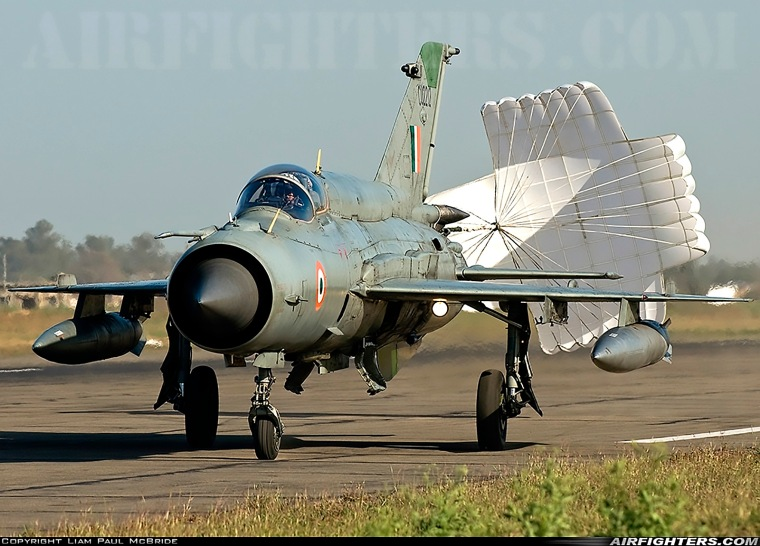 MiG-21 Bison CU2212 at Ambala - India 25feb2009