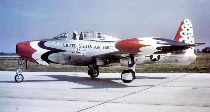 Republic_F-84G-26-RE_Thunderjet_51-16719