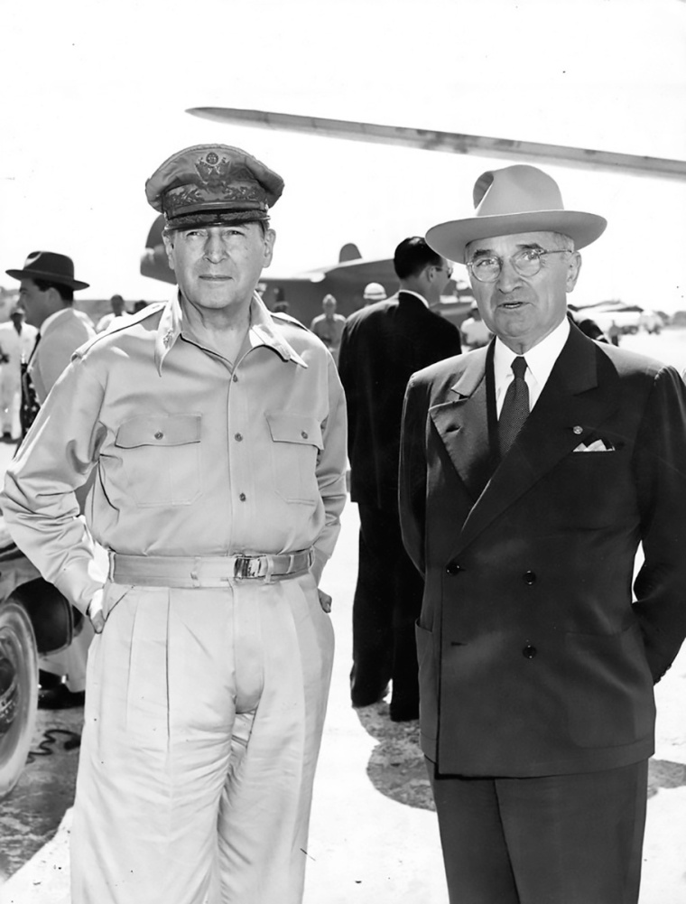 Truman_and_MacArthur