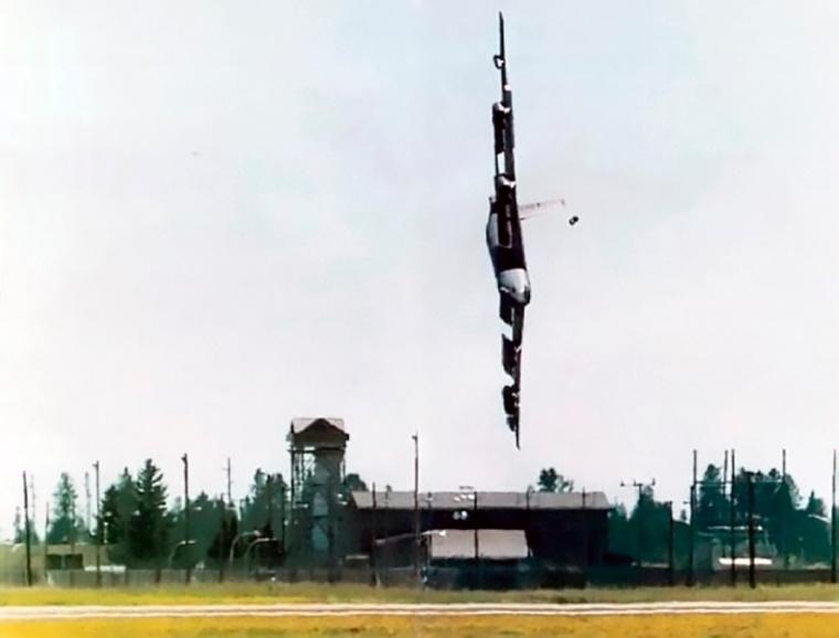 Bud-Holland-B-52-crash