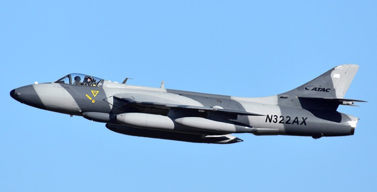 n322ax-atac-airborne-tactical-advantage-company-hawker-hunter-f58_PlanespottersNet_830529_9dac35b511