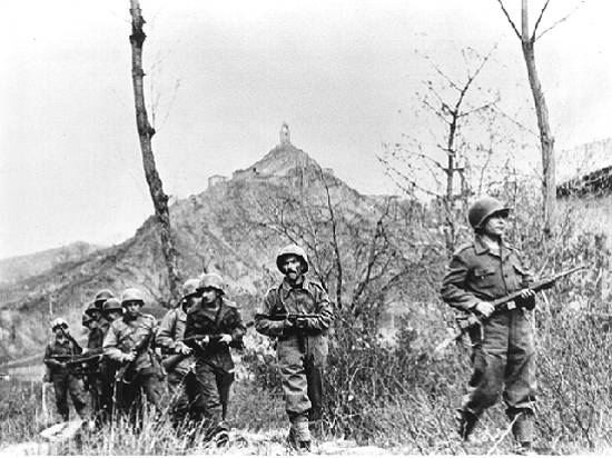Soldiers of the FEB during the second assault of the Battle of Monte Castello on 29 November 1944.