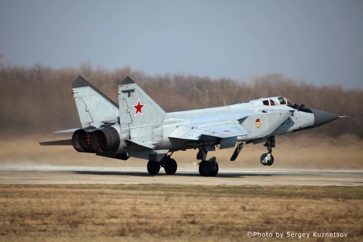 01-MiG-31-Foxhound.jpg