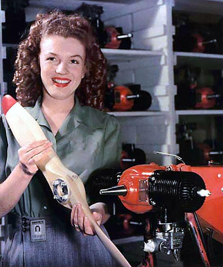 Marilyn-Monroe-Radioplane.jpg