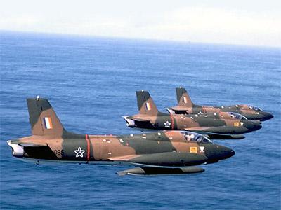 Documentos da Guerra Fria: Memorando analisa as opções de Angola, com apoio soviético, de neutralizar o poderio aéreo da África do Sul.